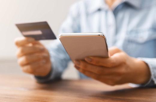 Obsługa płatności z Electronic Fund Transfer