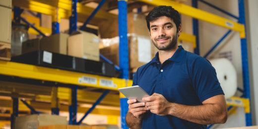Zarządzanie towarami w sklepie z elektroniką